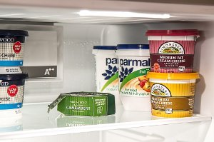 Chladnička prodlužuje životnost potravin, ale nechrání je proti plísni