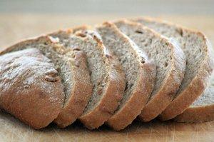 Chléb zlikviduje skvrny na ubruse a oživí olejomalby