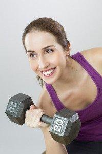 Cvičení s nalíčeným obličejem neprospívá pleti