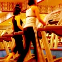 Cvičení v posilovně, které vám pomůže se správným vytvarováním těla