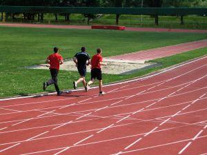 Běhání je zdravé, ale vybírejte si, po čem budete běhat