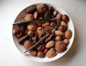 Vitamín E dokáže zprůchodnit cévy, a tím předejít infarktu