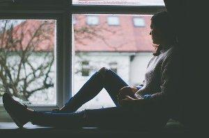 Deprese není pouhá melancholie, a proto vždy vyžaduje odbornou léčbu