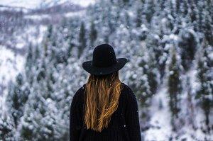 Dlouhé vlasy nesluší jen mladším ženám, ale chce to styl
