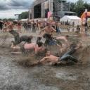 Jak se sbalit na letní festival?
