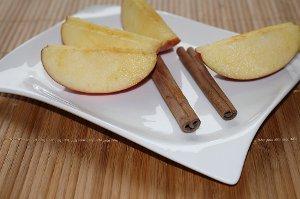 Jednoduchý domácí nápoj z jablek a skořice, který čistí tělo a rozpouští tuky