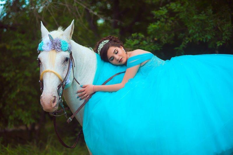Jízda na koni odhazuje starosti a tvaruje osobnost