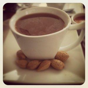 Káva s mlékem způsobuje tvorbu žlučových kamenů