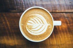 Káva s přívlastkem zázračná, po které se snáze hubne?