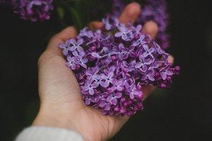 Krém na ruce vám dodá příjemný pocit a ubere roky