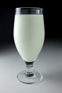 Mléko - životodárná, ale i zdraví nebezpečná potravina
