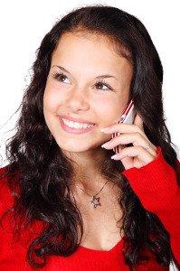Mobilní telefon jako příčina vrásek, akné a dvojité brady