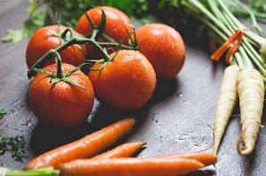 Ovoce a zelenina, které oloupete, ztrácí cenné vitaminy a minerály
