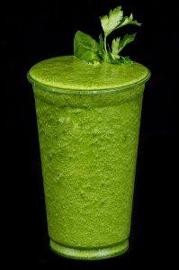 Pět zelených nápojů, které vám zaručeně rozhýbou trávení