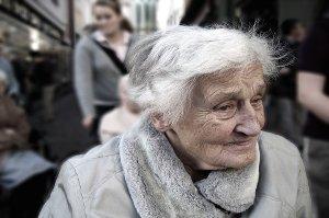 Pohled na stáří nás může ochránit od Alzheimerovy choroby