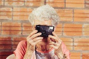 Stáří není nemoc aneb Péče o stárnoucí rodiče není oběť