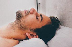 Léky na spaní nahradí absence pyžama