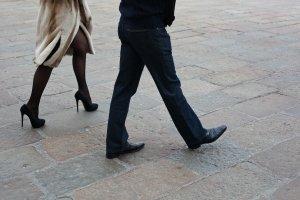 Způsob chůze žen prozradí nejen zdravotní potíže